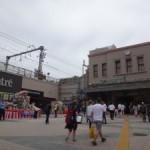 上野駅と繋がりがある演出でしょうか、「第32回うえの夏まつりパレード」