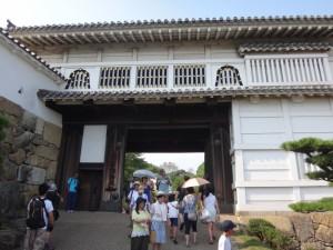 姫路城の門(1)