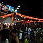 「明大前」駅前の盆踊り祭り