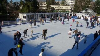 都内での観光スポットでアイススケートが楽しめる