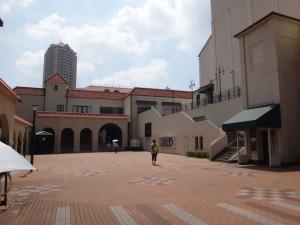 宝塚歌劇団の「宝塚大劇場」(5)