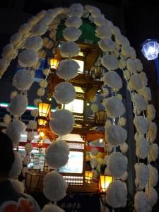 「関のボロ市」の万灯行列をちょこっと見てきました。9