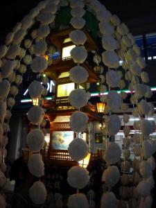 「関のボロ市」の万灯行列をちょこっと見てきました。10