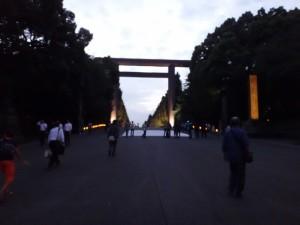 「靖国神社 秋の夜長参拝 みらいとてらす―秋を彩る九段の光―」(上)(2)