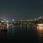 浅草の隅田川で「とうろう流し」が行われました