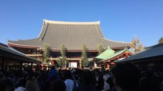 東京での初詣に、浅草寺に行ってきました。