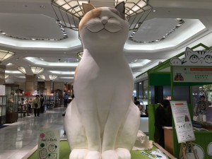 日本橋三越に巨大猫4