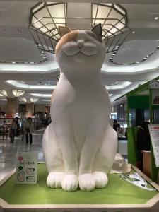 日本橋三越に巨大猫5