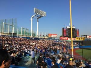 明治神宮外苑創建90年記念奉納試合「東京六大学選抜 VS 東京ヤクルトスワローズ」を観戦してきました。6