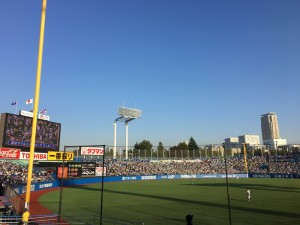 明治神宮外苑創建90年記念奉納試合「東京六大学選抜 VS 東京ヤクルトスワローズ」を観戦してきました。9