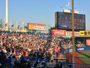 明治神宮外苑創建90年記念奉納試合「東京六大学選抜 VS 東京ヤクルトスワローズ」を観戦してきました。10