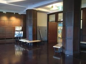 雰囲気がいい「旧東京中央郵便局室」(17)